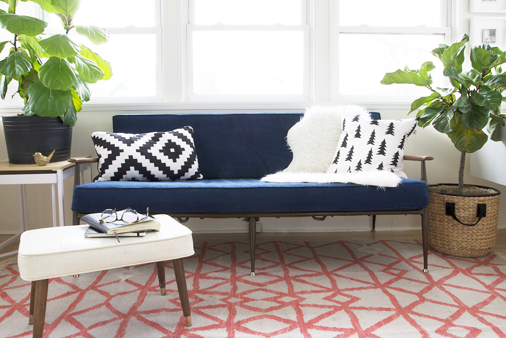 Minneapolis Sunporch in Navy and Coral