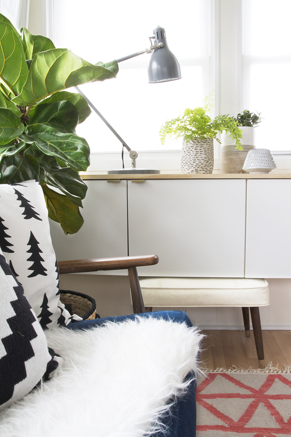Black and White Accents and Lots of Greenery