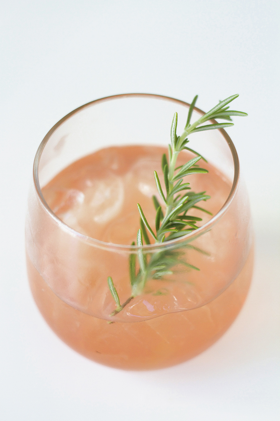 Solveig Gin with Rosemary and Grapefruit