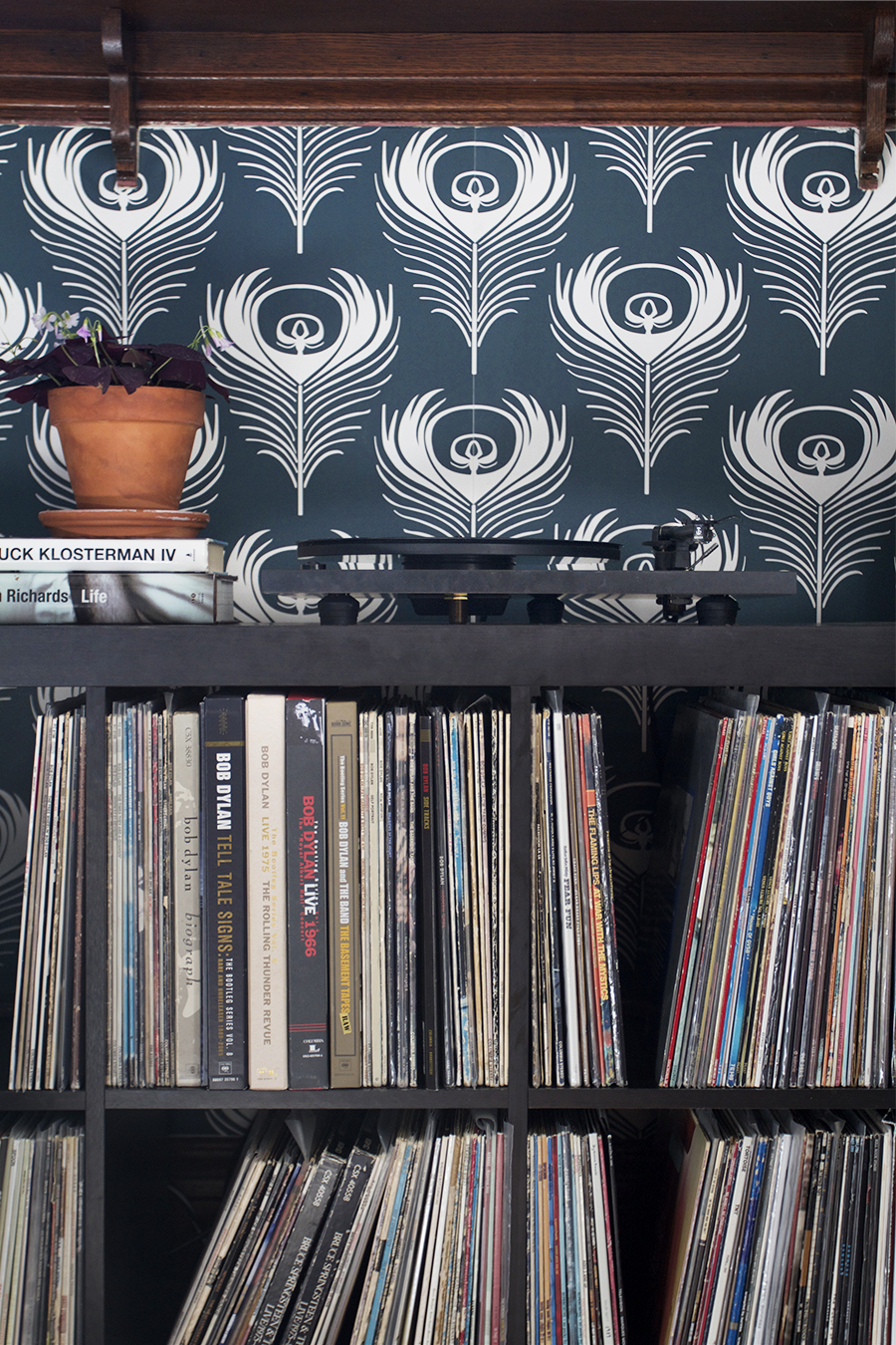 Adding a Record Stop to Basic Expedit Ikea Shelves