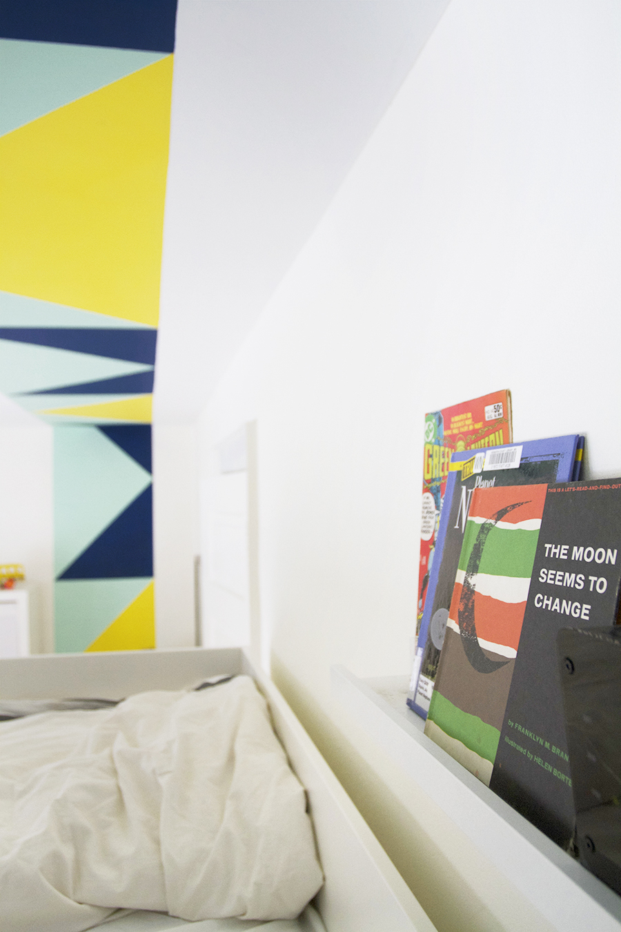 Color Blocking in the Boys room using Clark+Kensington Paint