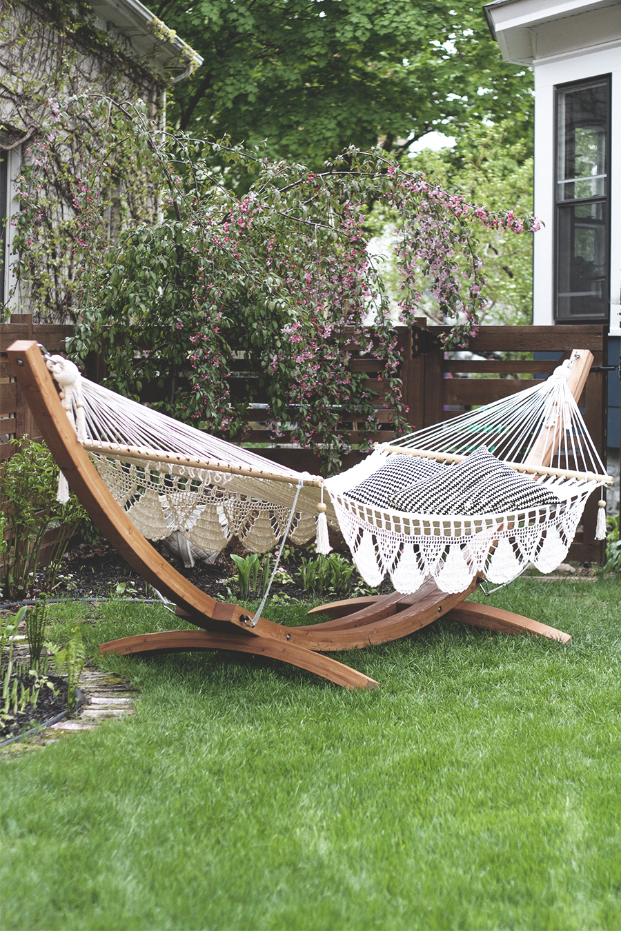 Backyard Hammock - Deuce Cities Henhouse
