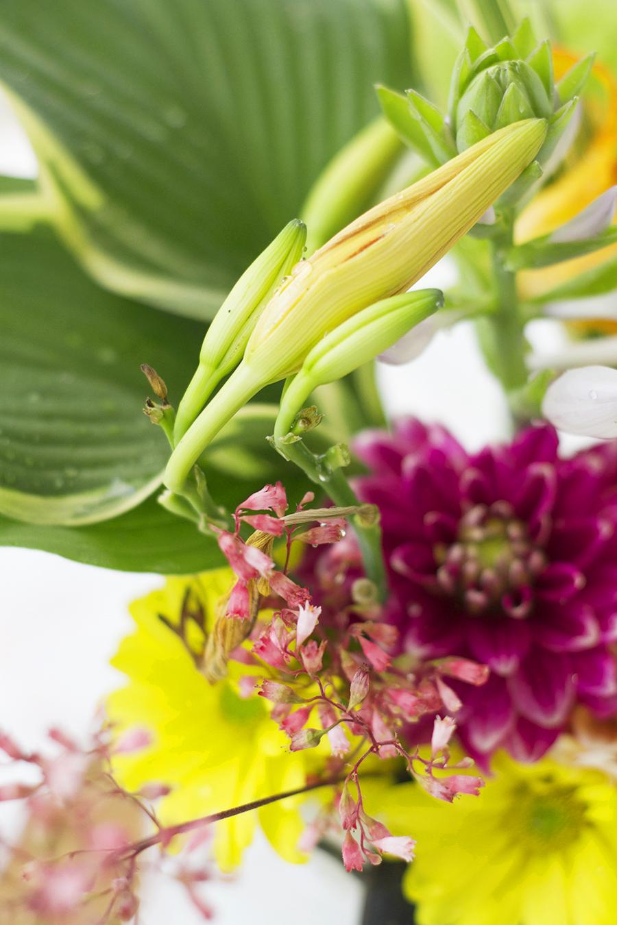 Simple Garden Bouquet   Deuce Cities Henhouse