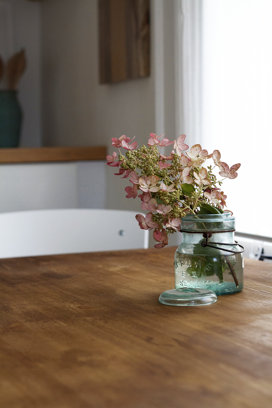 Table and Bench Reveal using Amy Howard at Home paints and waxes