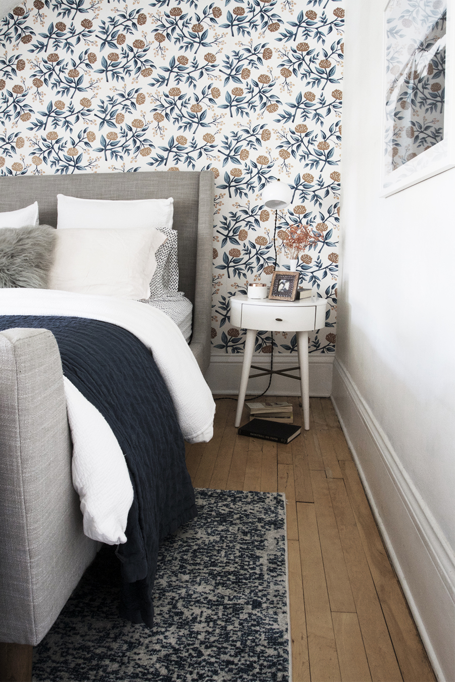 Still Love it! My Scandinavian(ish) bedroom || Deuce Cities Henhouse