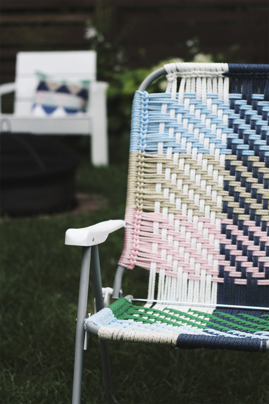 Woven Macrame Folding Lawn Chair