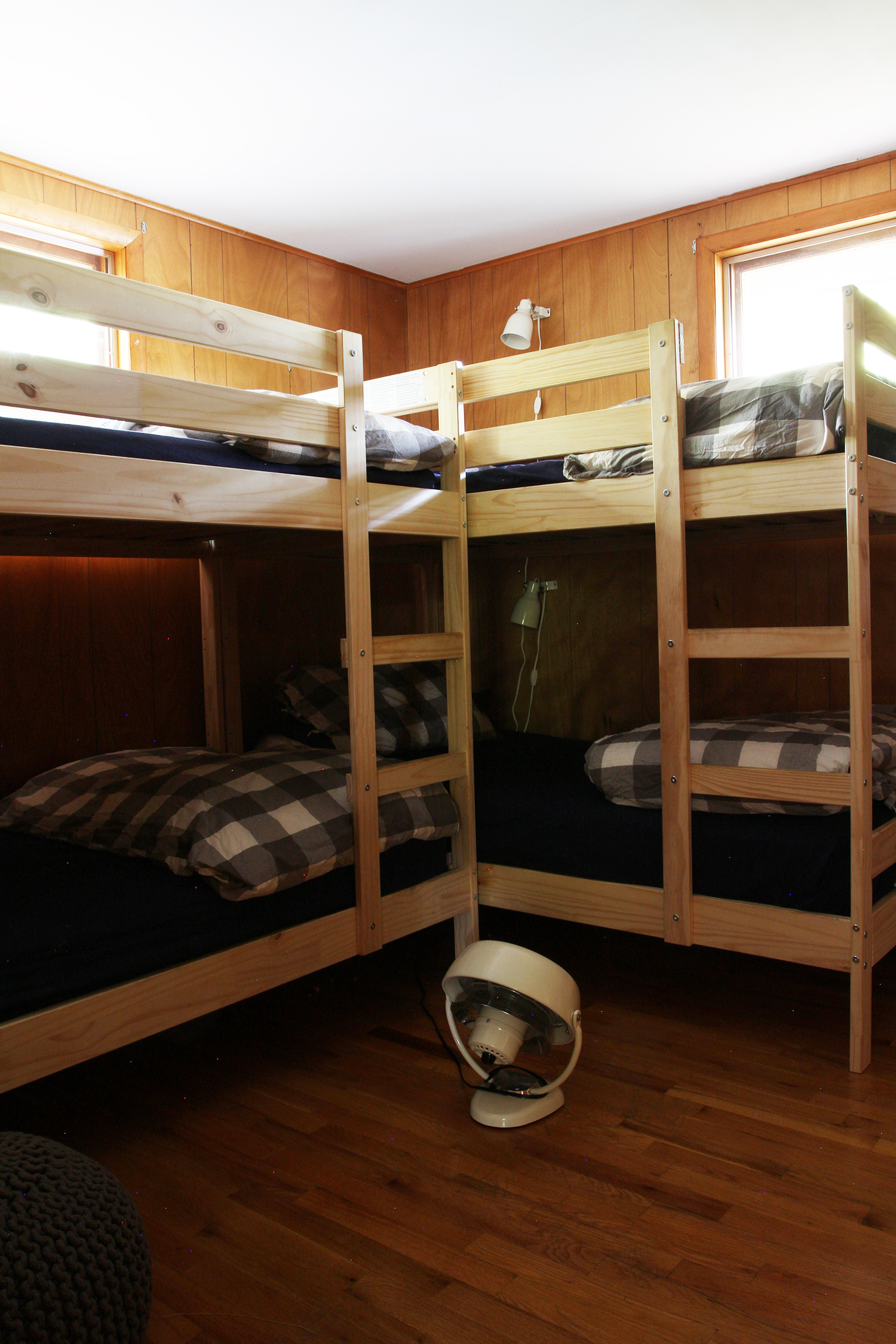 Design Plans for a Cabin Bunkroom | Deuce Cities Henhouse