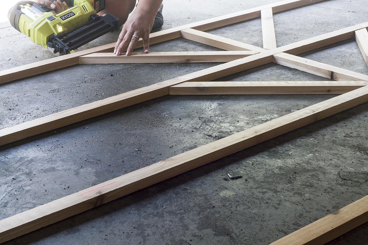 Make this DIY Starburst Trellis