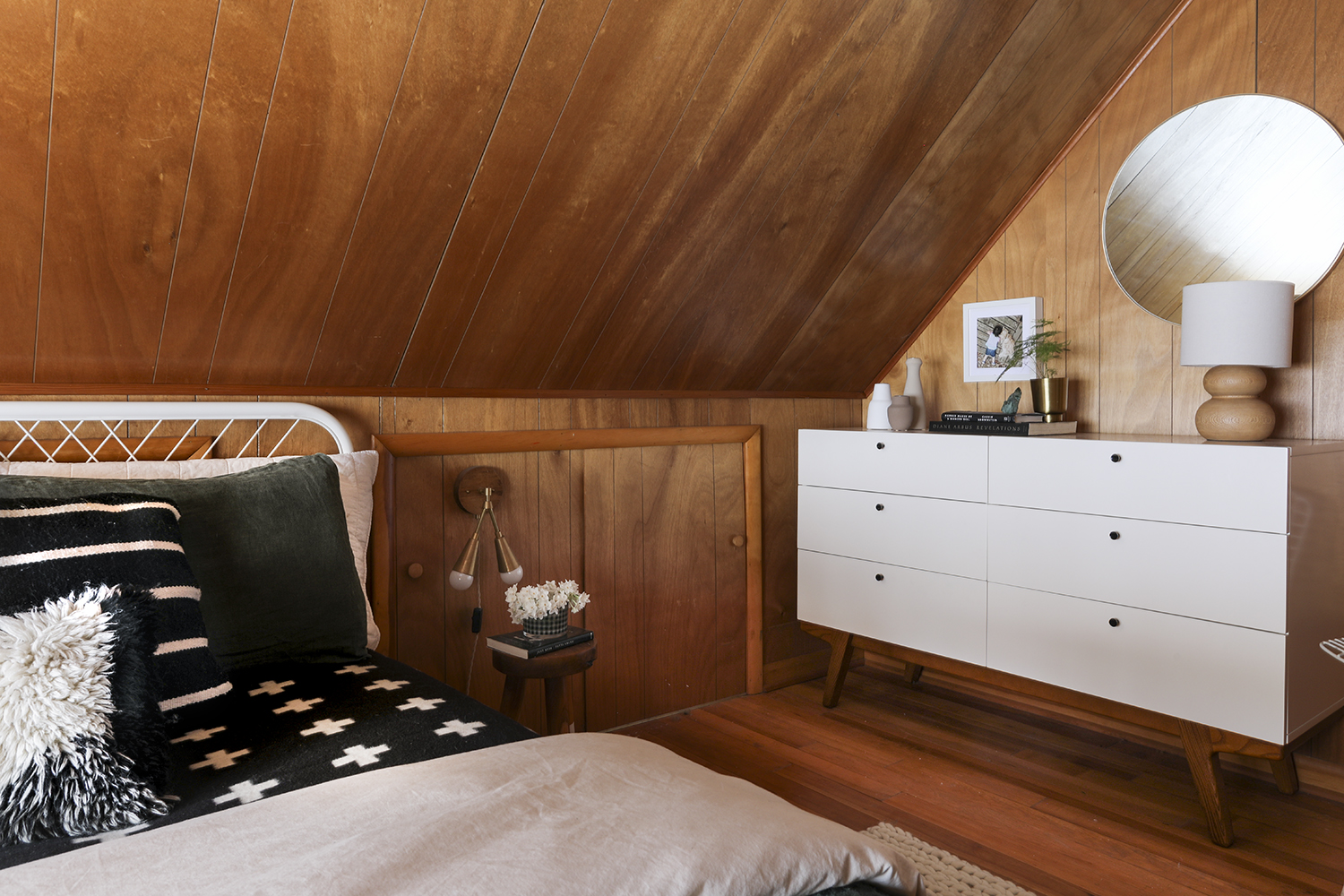Cabin Master Bedroom Reveal | Deuce Cities Henhouse