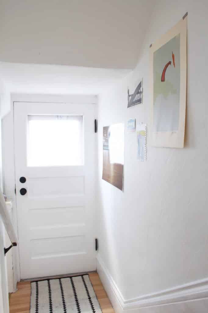 Mini Makeover : Basement Stairs