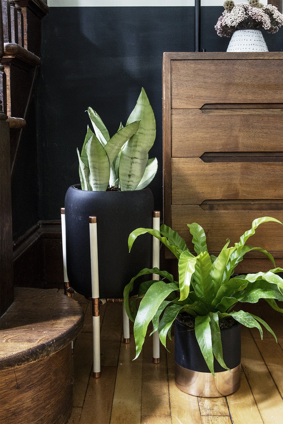 DIY Minimalist Copper and Wood Dowel Plant Stand