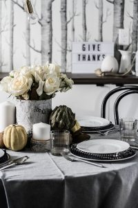 A Simple Thanksgiving Table