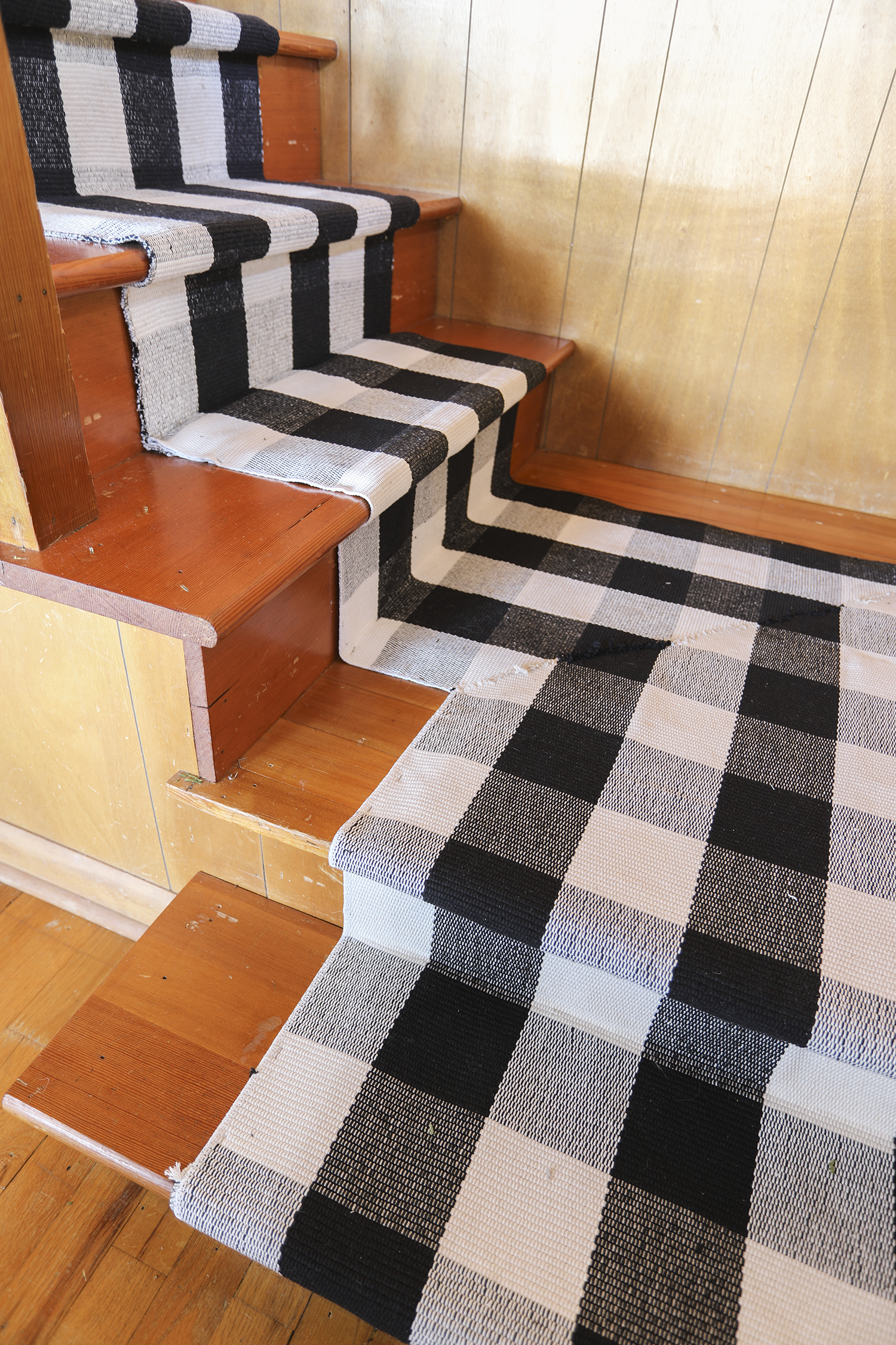 Part II : Mitering a Stair Runner Around a Corner