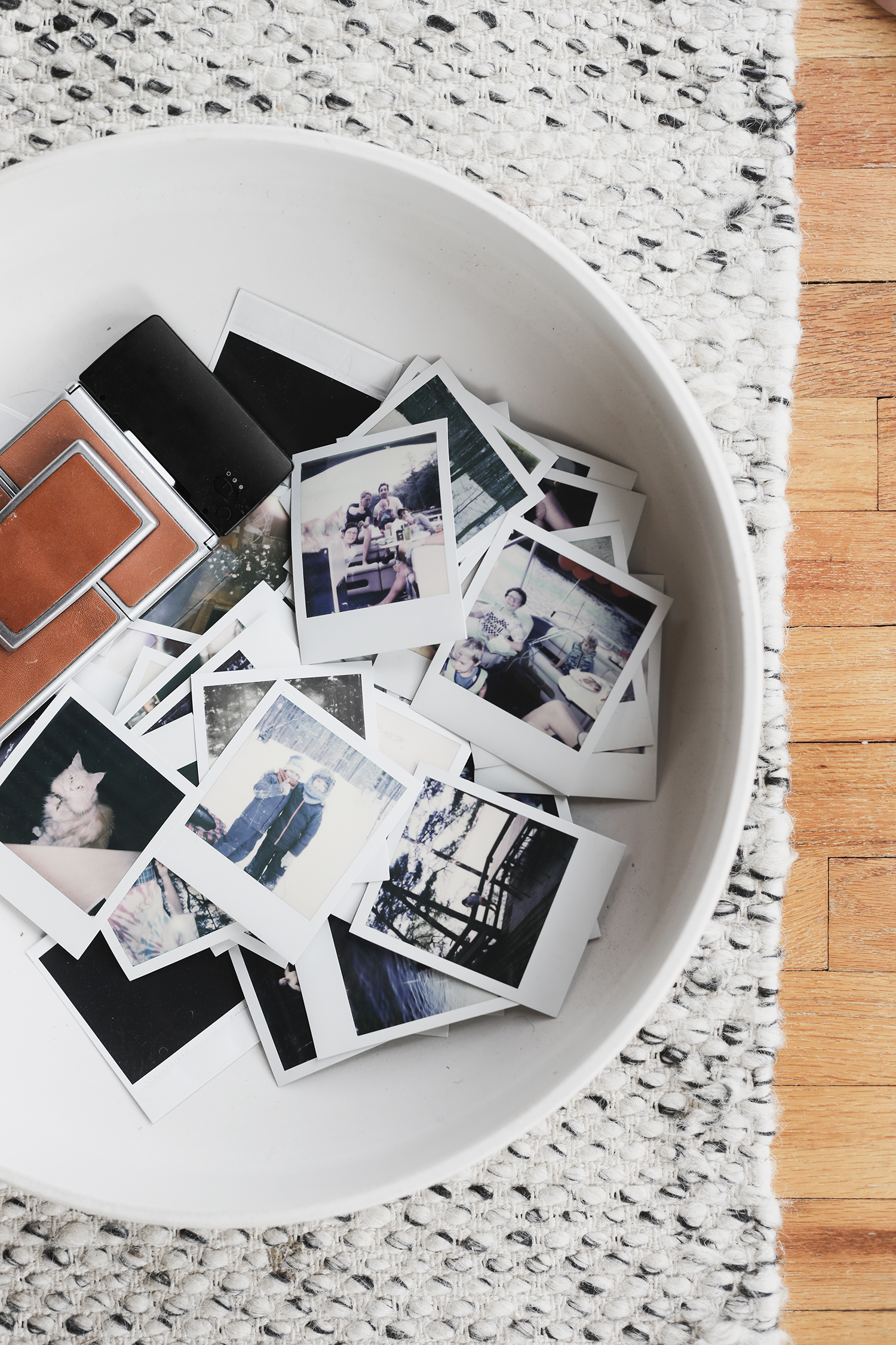 Polaroid Memories & Guest Book
