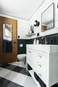 Reveal : Modern Cabin Bathroom Remo...