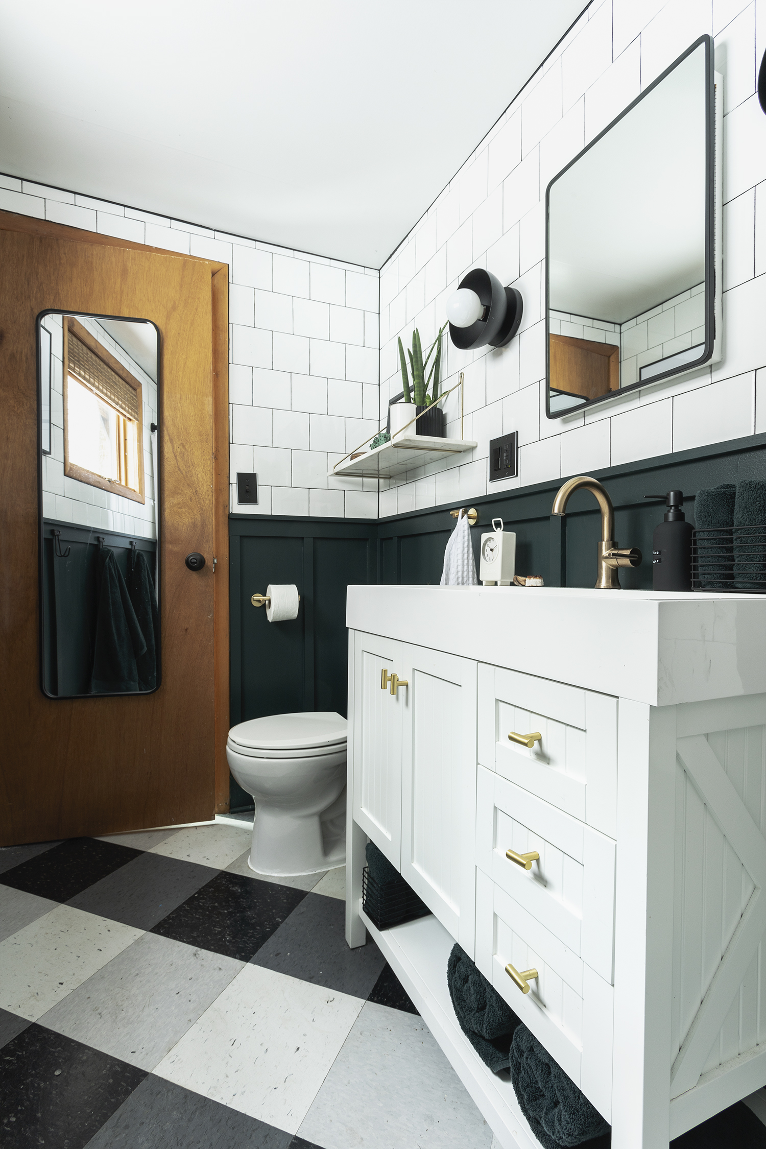 Reveal : Modern Cabin Bathroom Remodel